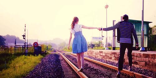 """4 hành động đơn giản giúp tình yêu """"đi đường dài"""""""