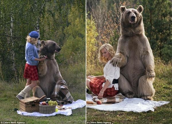 Buổi chụp ảnh diễn ra trong vòng 30 phút tại một khu rừng nước Nga, vô cùng an toàn và tràn ngập tình yêu.
