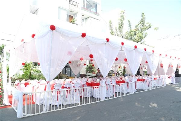 Không gian tiệc đính hôn của Vân Trangnhìn từ xa. - Tin sao Viet - Tin tuc sao Viet - Scandal sao Viet - Tin tuc cua Sao - Tin cua Sao