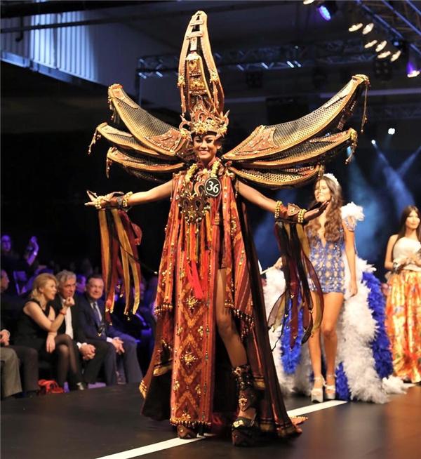 Trang phục truyền thống đẹp nhất của Miss Supranational 2015