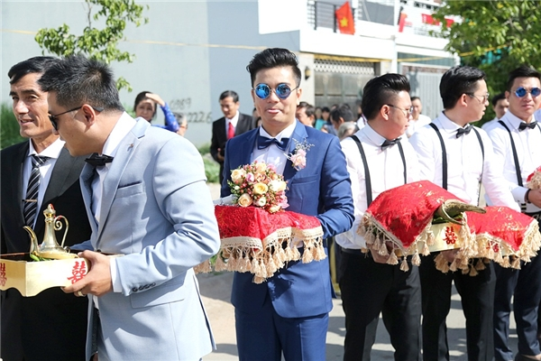 Huỳnh Đông dẫn con trai kháu khỉnh đến chúc mừng đám hỏi Vân Trang - Tin sao Viet - Tin tuc sao Viet - Scandal sao Viet - Tin tuc cua Sao - Tin cua Sao