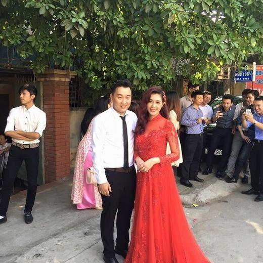 Những hình ảnh vui vẻ tại đám rước dâu của Hà Min và Minh Đức.
