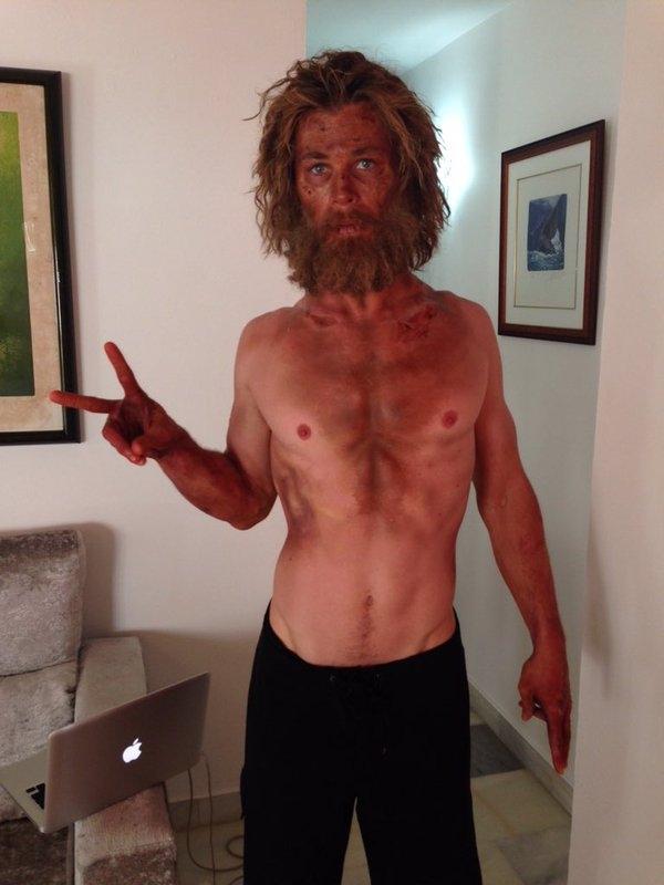 Fan sốc với hình ảnh gầy trơ xương của Thần sấm Chris Hemsworth