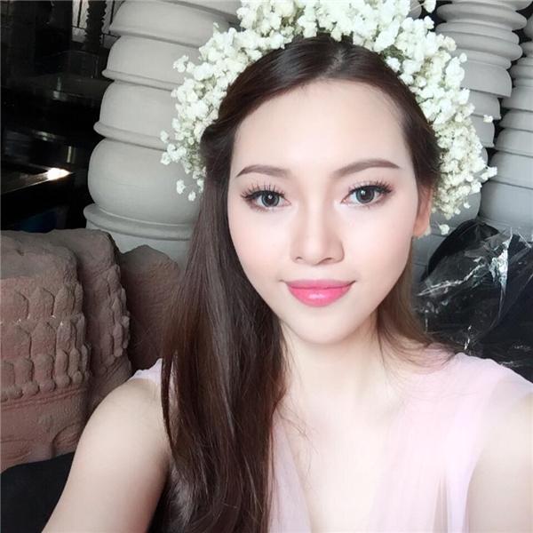 """Cận cảnh nhan sắc """"vạn người mê"""" của bạn gái nam ca sĩ Lê Hiếu."""