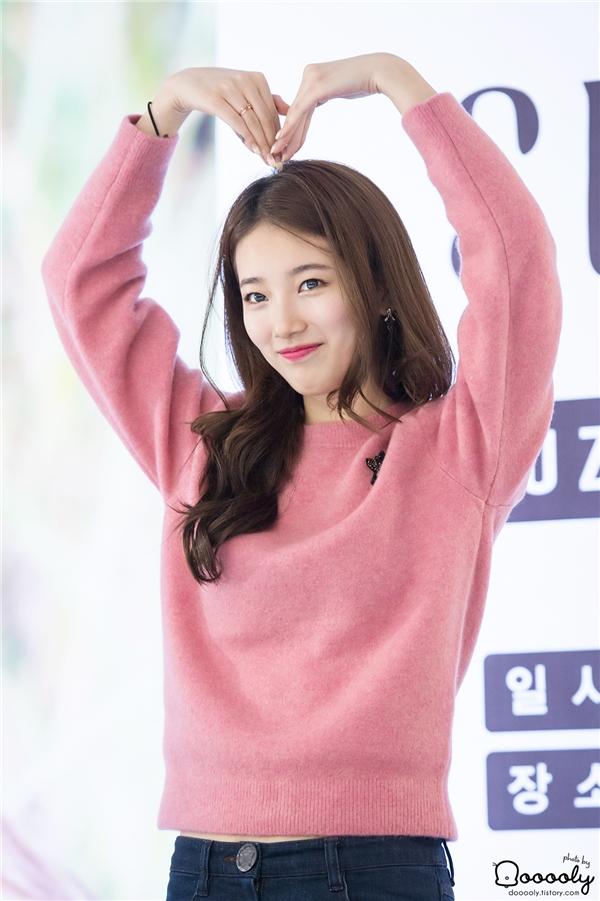 """Yoona, Suzy thống trị cát-xê dành cho nữ thần tượng """"đá chéo sân"""""""