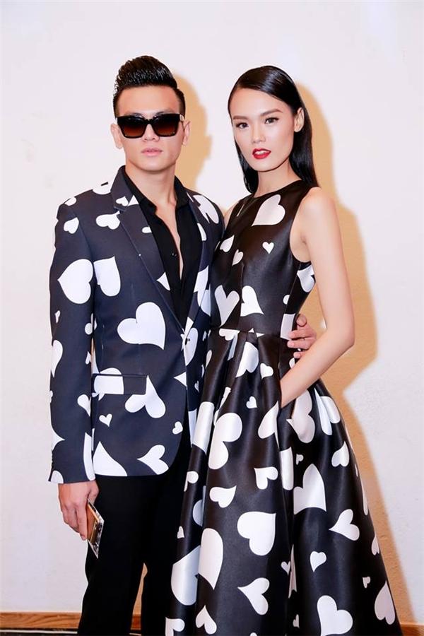 Chàng thơ Lê Xuân Tiền và nàng thơ Lê Thanh Thảo tông xuyệt tông khi tham dự một đêm tiệc thời trang tóc tại TP.HCM.
