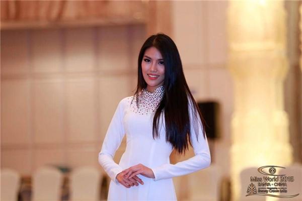 Lan Khuê lên bảng tin Miss World, Akira Phan bị thương vẫn đi diễn - Tin sao Viet - Tin tuc sao Viet - Scandal sao Viet - Tin tuc cua Sao - Tin cua Sao