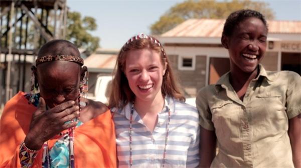 Mary rất vui vì giúp đỡ nhiều bạn gái được tiếp tục đến trường.