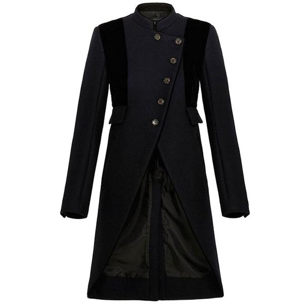 Chiếc áo khoác cách điệu với những đường cắt hiện đại này sẽ là thiết kế mà các quý cô khó thể chối từ trong mùa thời trang Thu - Đông năm nay.