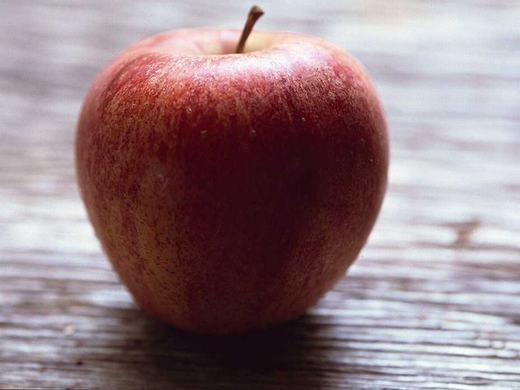 Cơ thể chúng ta đa số là không gian trống. Nếu loại bỏ nó, cơ thể của hơn 7 tỉ người trên Trái đất chỉ bằng... 1 trái táo. (Ảnh: Internet)