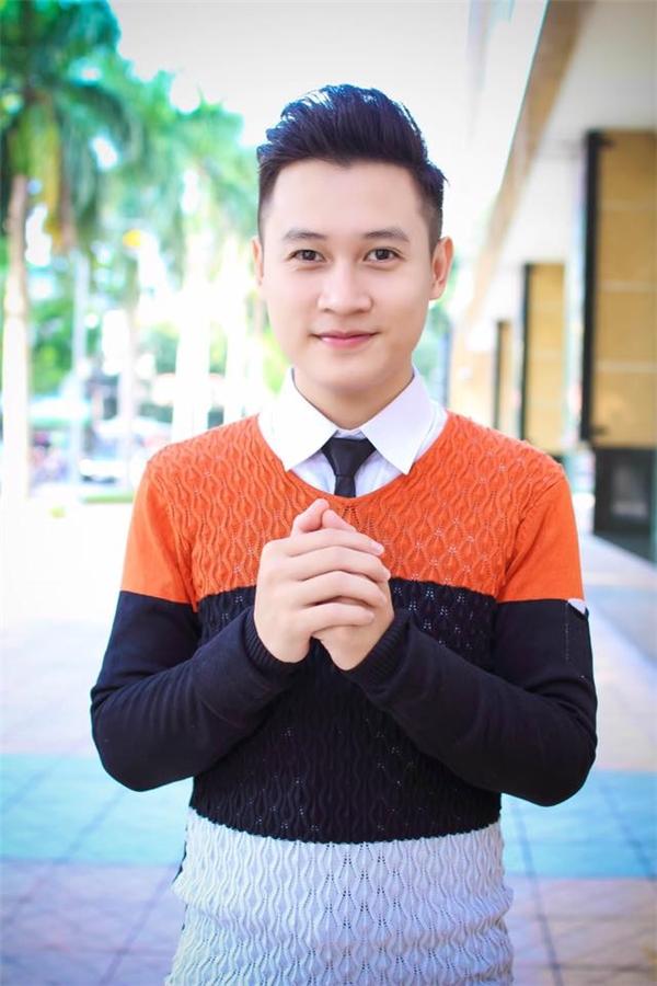 """Nguyễn Lộcngoài đời thực sở hữu làn da trắng hồng chứ không phải""""bánh mật"""" như trong phim.(Ảnh: Internet)"""