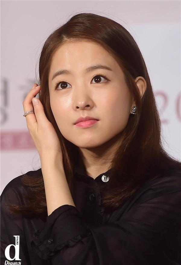 """Tương tự Park Shin Hye, """"em gái quốc dân"""" Park Bo Young cũng xuất hiện chung vị trí với số phiếu bình chọn ngang bằng 17,85%."""