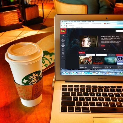 Cùng lướt những tin tức nóng hổi của Caferock.vn bên li cà phêsáng.