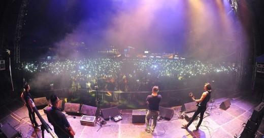 RockStorm tại TP. HCM và Hà Nội thu hút số lượng fan đến con số 20.000 người.