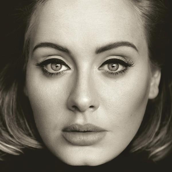 """Ảnh bìa album """"25"""" của Adele với """"ngôi sao"""" chính là đường kẻ eyeliner của cô."""