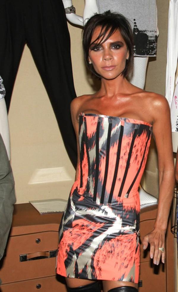 Victoria Beckham luôn nằm trong danh sách những ngôi sao có thân hình cò hương, thiếu sức sống nhất