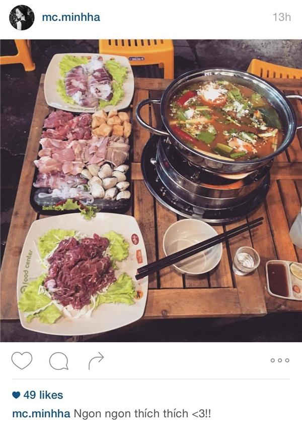 Cô cũng check-in hình ảnh đi ăn cùng Chí Nhân trên Instagram. Tuy nhiên, sau khi bức hình của cặp đôi bị công bố trên mạng, nữ diễn viên đã khóa cả hai tài khoản facebook và Instagram. - Tin sao Viet - Tin tuc sao Viet - Scandal sao Viet - Tin tuc cua Sao - Tin cua Sao