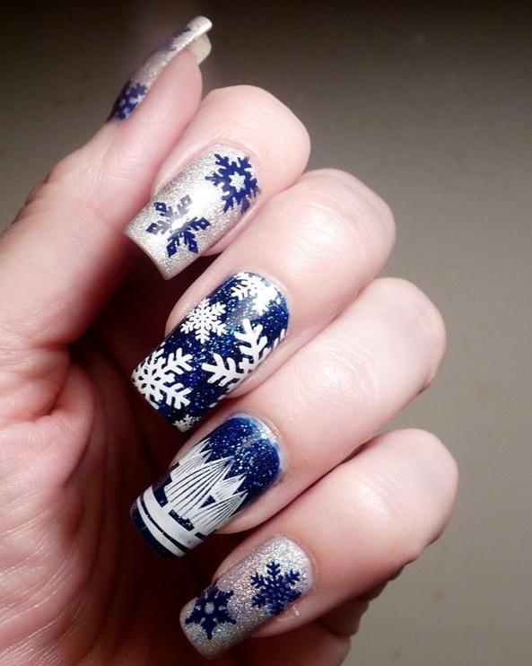 Bầu trời lung linh của đêm Giáng sinh dường như đã thu gọn vào lòng bàn tay của các cô gái rồi đấy nhé!