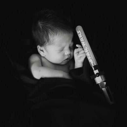 Cuộc chiến giành giật sự sống của bé sinh ra từ mẹ bị ung thư