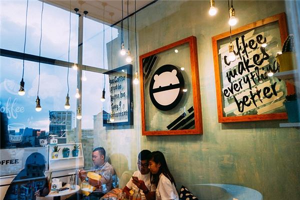Đột kích quán cà phê có view đẹp nhất phố đi bộ Nguyễn Huệ