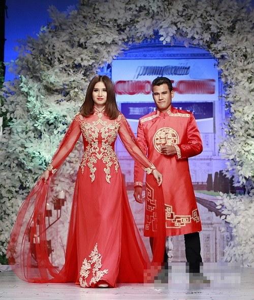 Vào giữa tháng 10 vừa qua, đôi vợ chồng còn xuất hiện bên nhau trong một show thời trang.