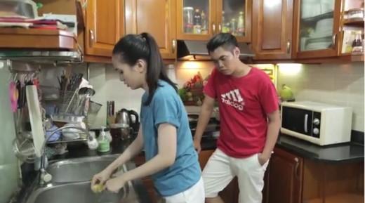 Clip của đôi vợ chồng trẻ khiến cư dân mạng đồng cảm