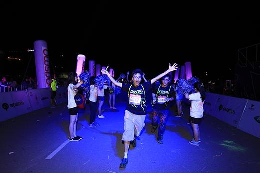 Ấn tượng với đường chạy sắc màu Prisma Run 2015