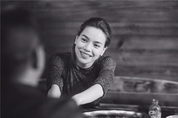 Nụ cười rạng rỡ luôn thường trực trên môi người đẹp. - Tin sao Viet - Tin tuc sao Viet - Scandal sao Viet - Tin tuc cua Sao - Tin cua Sao
