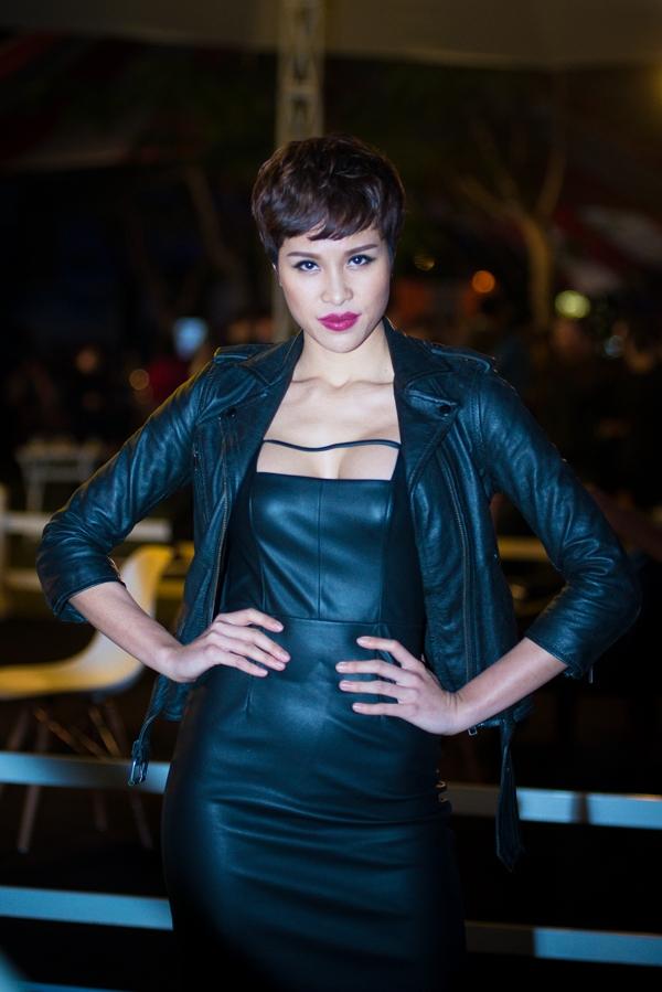 Siêu mẫu Phương Mai cũng có mặt trong sự kiện vớivai trò MC. - Tin sao Viet - Tin tuc sao Viet - Scandal sao Viet - Tin tuc cua Sao - Tin cua Sao