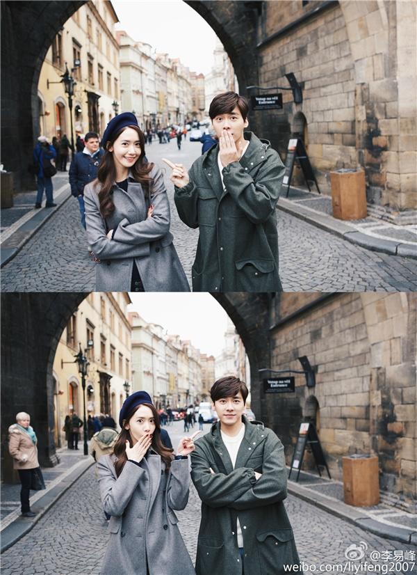 """Thích thú hình ảnh Yoona """"hẹn hò"""" cùng Lý Dịch Phong ở trời Tây"""