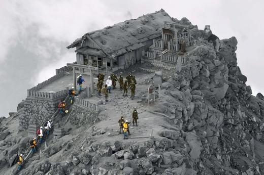 Khu nhà sau khi bị tro núi lửa bao phủ. (Ảnh: Internet)