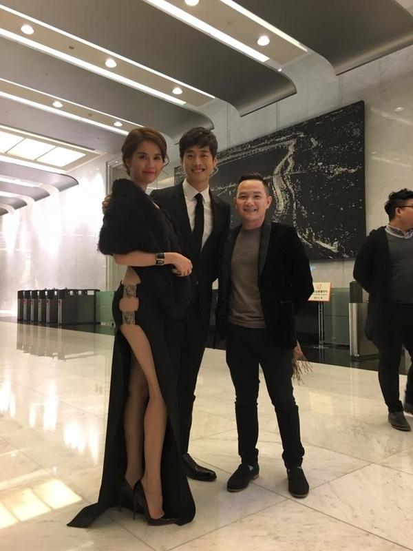 Ngọc Trinhvà MCAnh Khoachụp hình lưu niệm cùngKim Jae Won. - Tin sao Viet - Tin tuc sao Viet - Scandal sao Viet - Tin tuc cua Sao - Tin cua Sao