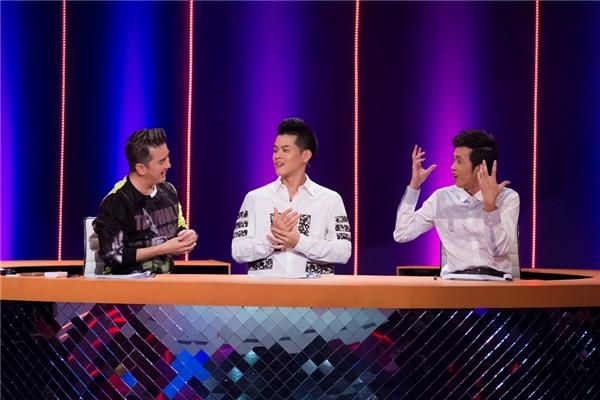 Màn tranh cãi đầy thú vị của hai vị giám khảo đã đem đến không ít tiếng cười cho khán giả. - Tin sao Viet - Tin tuc sao Viet - Scandal sao Viet - Tin tuc cua Sao - Tin cua Sao