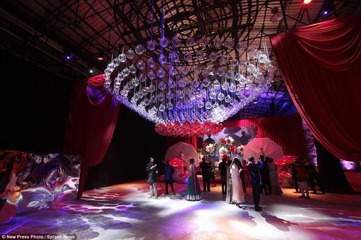 Hàng trăm người đã về dự lễ cưới siêu sang này. Trong đó, những đại gia của Dubai là cácvị khách không thể thiếu. (Ảnh: NPP)