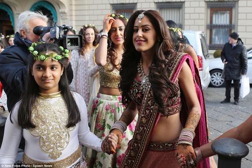 Bên trong đám cưới 500 tỉ không thể tin nổi của đại gia Dubai
