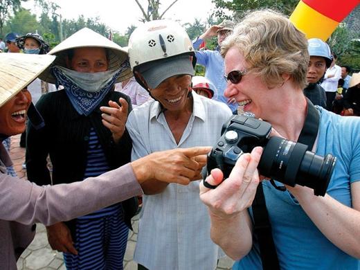 Trong mắt nhiều du khách nước ngoài thì người Việt rất thân thiện... Ảnh: Internet