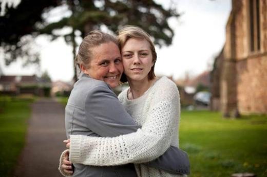 Thông qua mạng xã hội, bàMowbray đã tìm được con gái. Ảnh: Internet