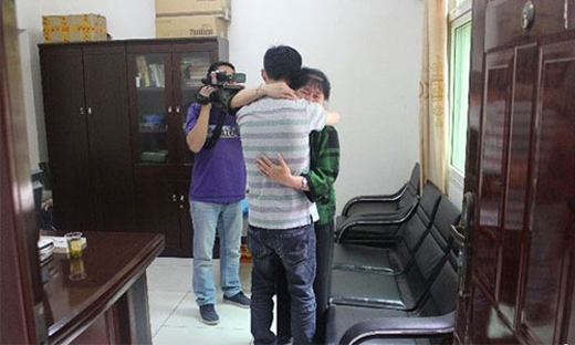 Sau gần 30 năm thất lạc,Jiang Ming đã tìm được mẹ. Ảnh: Internet