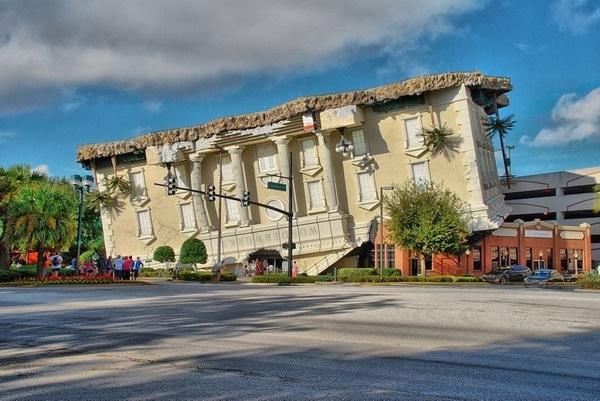Bảo tàng WonderWorks tại Orlando, Florida.