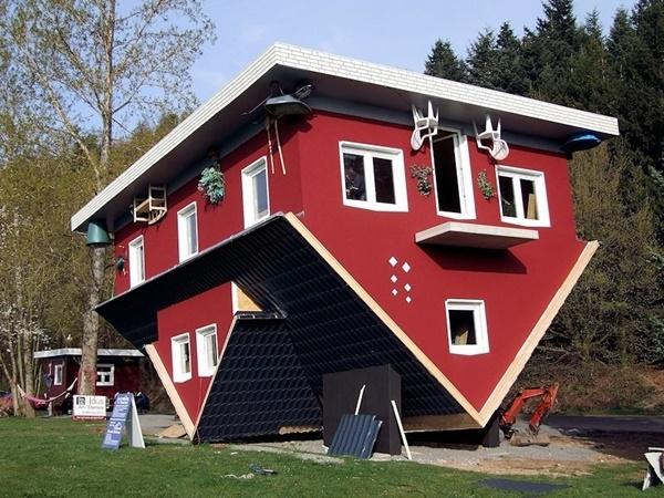 Ngôi nhà có tên là Das tolle Haus am Edersee (có nghĩa là Ngôi nhà lớn của Edersee) được xây dựng tại Hessen, Đức.