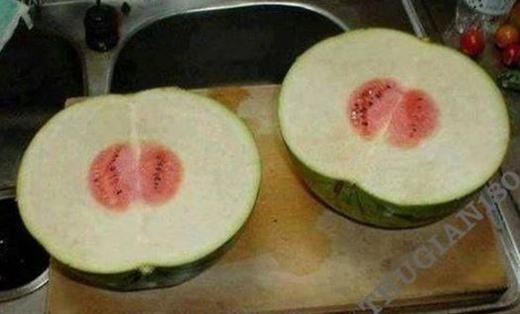 """""""Cho em hỏi nên làm gì với quả dưa này ạ?"""". (Ảnh: Internet)"""