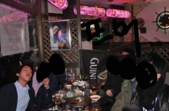 Baekhyun bị cư dân mạng lật tẩy tính cách tồi tệ