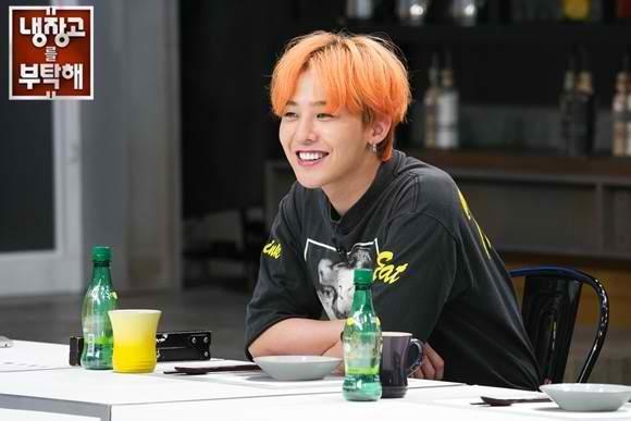 """Không chỉ vậy, thứcăn của G-Dragon cũng toàn cao lương mĩ vị. Những món ăn có giá """"trên trời"""" như trứng cá tầm muối, nấm truffle, gan ngỗng Pháp, bào ngư… đều được tích trữ trong tủ lạnh của anh chàng."""