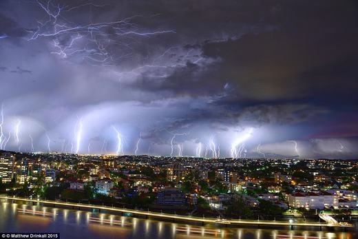Cảnh bão sét rùng rợn. (Ảnh: Matthew Drinkall)