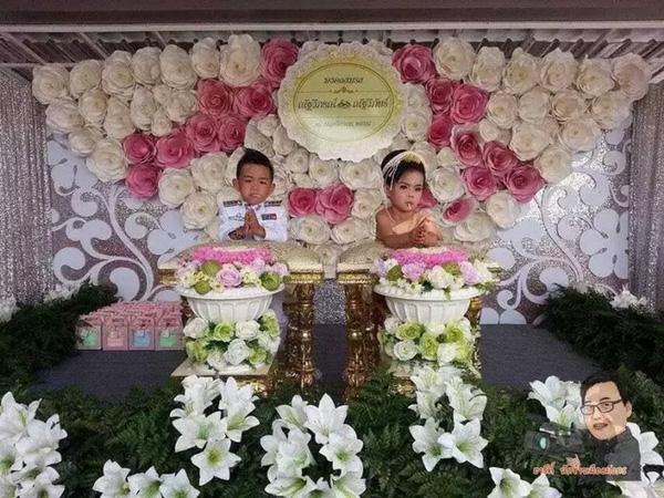 Ngỡ ngàng trước đám cưới tiền tỉ của anh em song sinh 3 tuổi