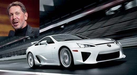Larry Ellison, CEO Oracle, sở hữu rất nhiều xe trong số đó có siêu xe Lexus LFA có giá khởi điểm 375.000 USD.