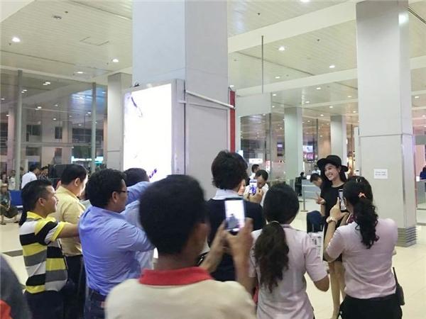 Theo lịch trình làm việc, Huyền My sẽ tham gia buổi họp báo cùng đoàn làm phim, sau đó cô sẽ dành thời gian thăm quan một số danh thắng nổi tiếng tại Yangon như chùa Shwedagon tọa lạc trên đỉnh đồi Singuttara, thưởng thức ẩm thực Myanmar và tham gia phỏng vấn trên một chương trìnhtruyền hình nước này. - Tin sao Viet - Tin tuc sao Viet - Scandal sao Viet - Tin tuc cua Sao - Tin cua Sao