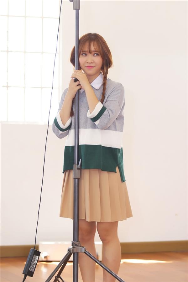 Hỗ trợ cho Bảo Uyên thực hiện bản thu âm Soái ca là nhạc sĩ Tăng Nhật Tuệ. Theo thông tin cho biết, cô nàng còn tự tay lên ý tưởng cho MV của mình. - Tin sao Viet - Tin tuc sao Viet - Scandal sao Viet - Tin tuc cua Sao - Tin cua Sao
