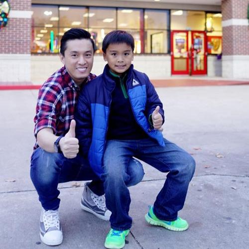 Lam Trường hào hứng khoe ảnh chụp cùng con trai Kiến Văn. - Tin sao Viet - Tin tuc sao Viet - Scandal sao Viet - Tin tuc cua Sao - Tin cua Sao