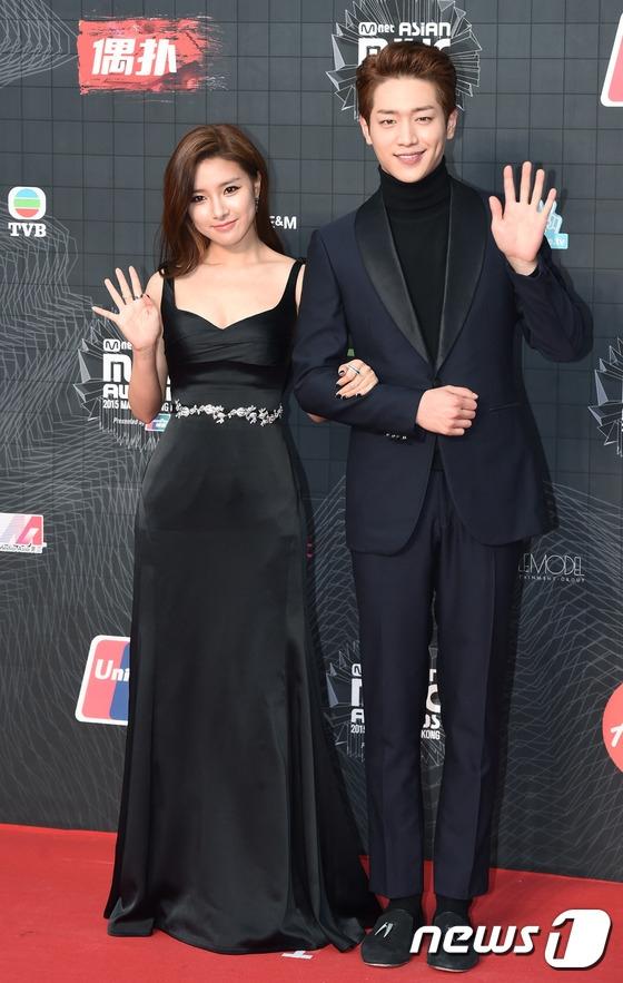 """Seo Kang Joon phong độ xuất hiện cùng """"nàng cháo"""" Kim So Eun."""